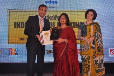 Dr. Shalini Advani, School Director, Pathways School, Noida with Ms. Sunanda Sandhir (Middle School Principal) being honoured with the award